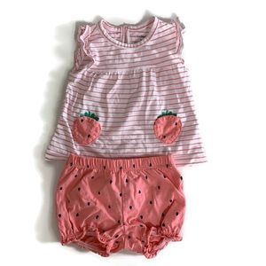 🌱2 for $15🌱 Carter's little strawberry outfit